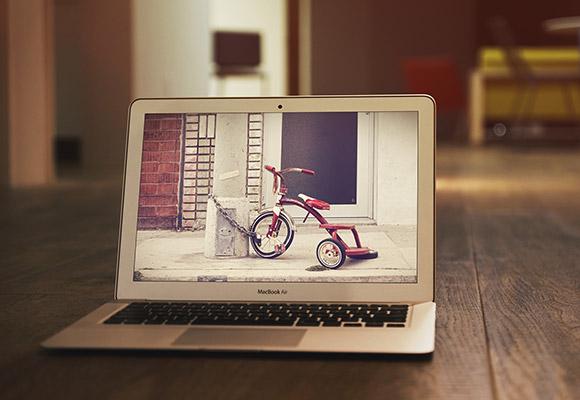 MacBook 空気 PSD モックアップ